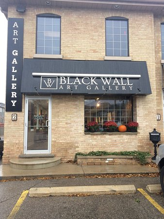Paris, Kanada: The Black Wall Gallery