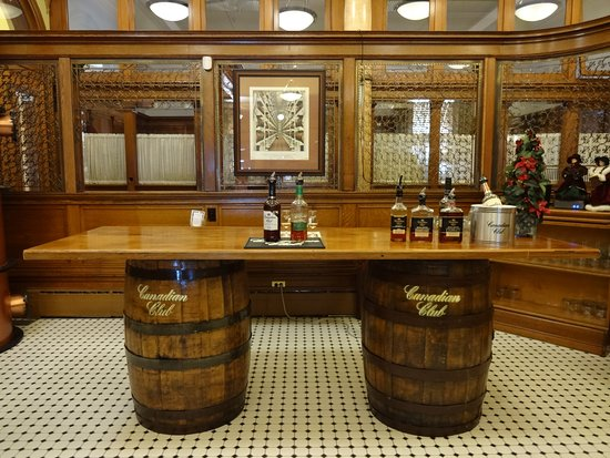 Canadian Club Brand Center: Tasting room