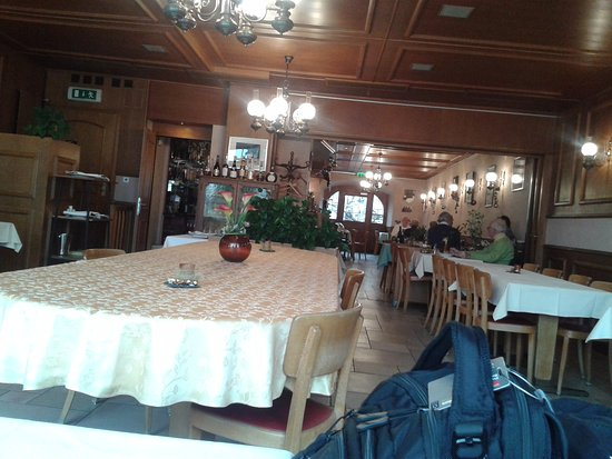 Romont, Switzerland: A spacy and friendly restaurant