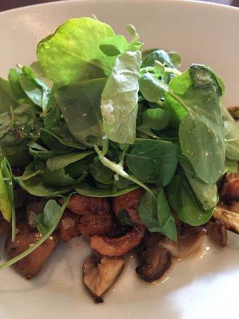 Skippack, Πενσυλβάνια: Warm mushroom salad