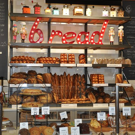 Norwich, Вермонт: King Arthur Flour Bakery + Cafe - Bakery Section
