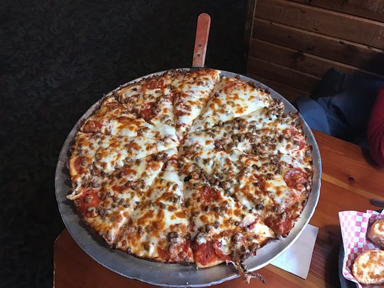 Bloomington, IN : Sausage and Pepperoni Pizza