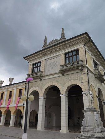 Palmanova, Włochy: Лоджия с рожками