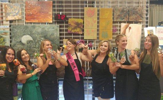 Gilbert, AZ: Bachelorette wine glass painting