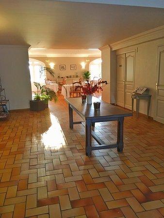 Chateauneuf-du-Pape, Prancis: La salle du petit dej!!
