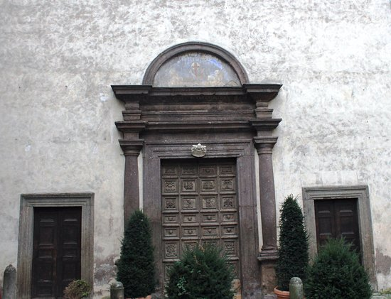 Caprarola, Italy: portale