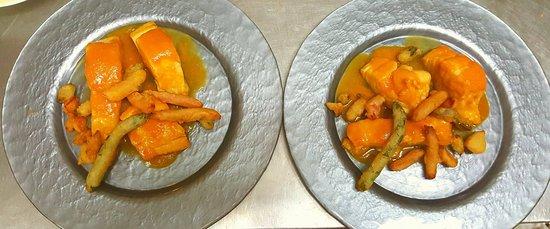 Almodovar del Pinar, สเปน: Bacalao con tomate y guarnición de verdura en tempura