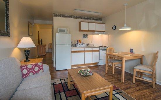Waynesboro, فيرجينيا: Living Room - Kitchen