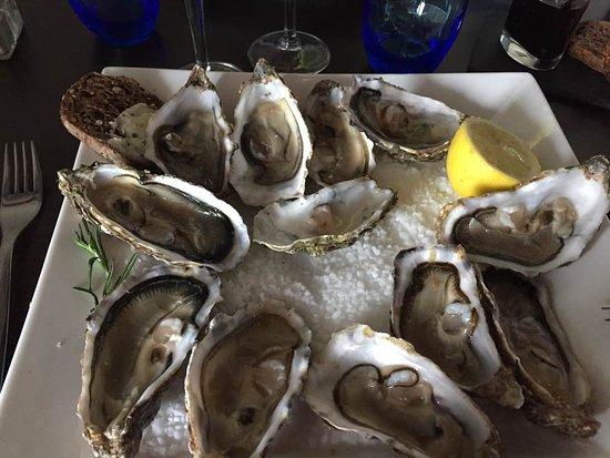 Le Castellet, Francja: Assiette de 12 huîtres de Normandie (entrée de 6 ou plat de 12)