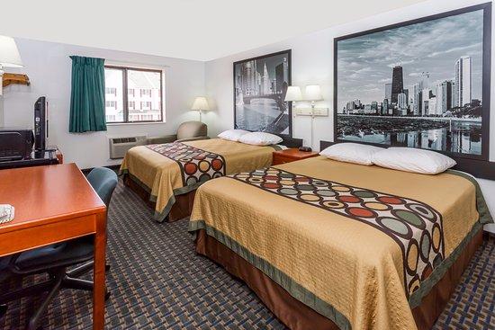 ร็อกฟอลส์, อิลลินอยส์: TWO QUEEN SIZE BEDS NON SMOKING WITH MICROWAVE & FRIDGE