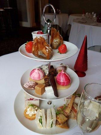 Tickton, UK: Festive afternoon tea