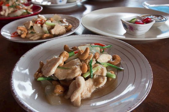 Maret, Tailandia: Stir fried chicken with cahew nuts