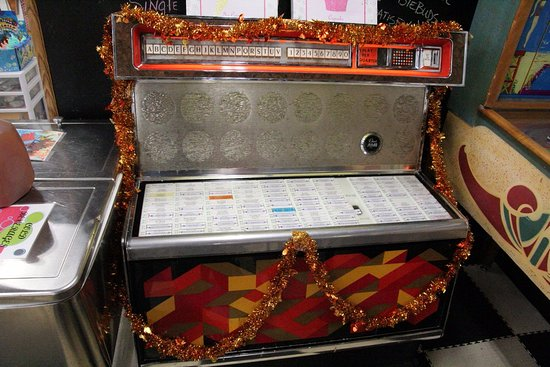 The Great Escape Ice Cream Parlor: The juke-box and it still works!
