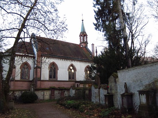‪Alter Friedhof‬