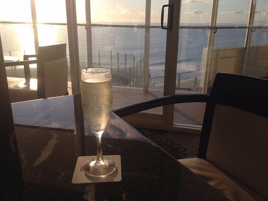 Scarborough, Australia: Club Lounge - Sparkling Wine
