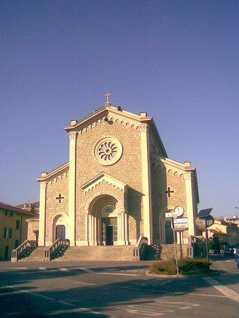 Mandello del Lario, Italia: Chiesa del Sacro Cuore