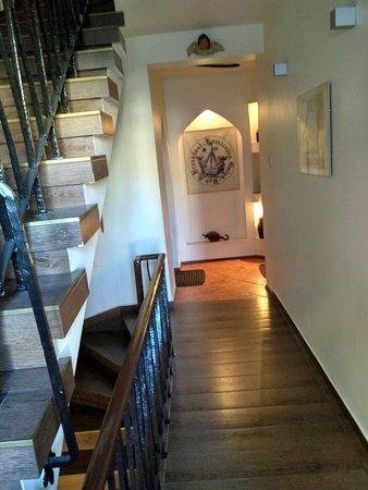 Gotyk House: IMG_2016-12-03_095226_HDR_large.jpg