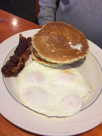 Joliet, IL : 3 pancakes x 3 bacon x 3 eggs