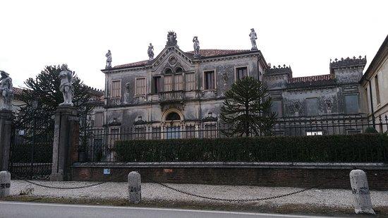 Villa Ca' Nave e L'Oratorio del Salvatore