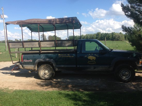 Fremont, IN: Tour truck