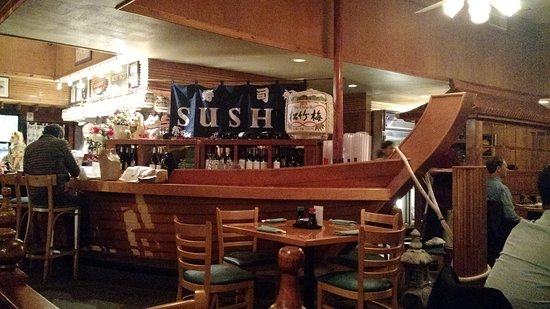 Cary, NC: The boat shipped bar