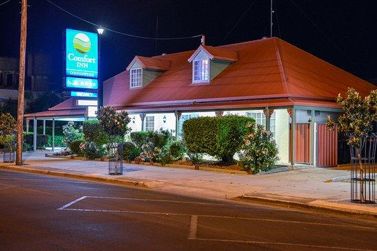 Goondiwindi, Australia: Front Street Veiw Night Time