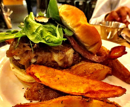 Pittsfield, MA: House burger with steak fries