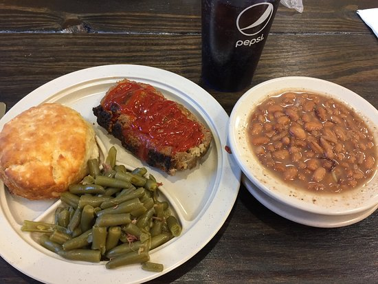 Marlinton, Virginia Occidental: Meatloaf with green beans and pinto beans.