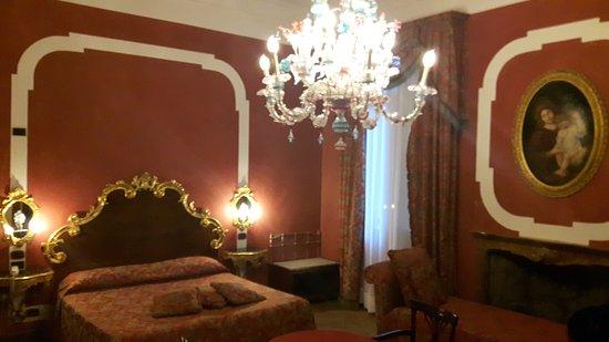 Hotel San Moise: 20161122_145149_large.jpg
