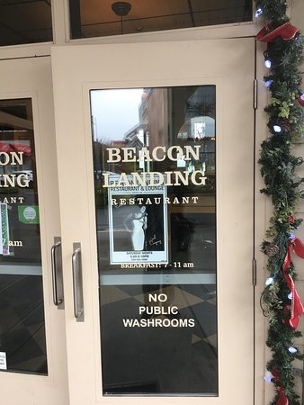 Beacon Landing Restaurant and Pub : Great ambiance next to waterfront. Get view, good food and service.   Price is reasonable for my
