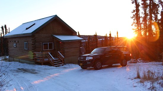 Aurora Borealis Lodge: Logan's Chalet at Sunrise