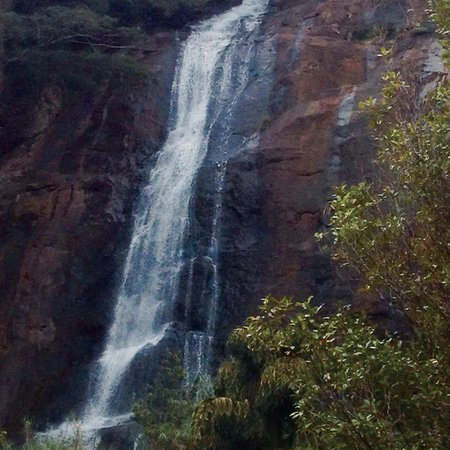 Hunnasgiriya Water Fall