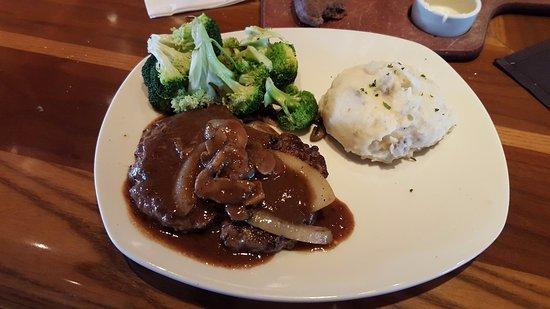 Enfield, CT: Chopped Steak