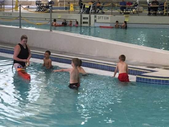 Springfield, OR: Children having a swim lesson.
