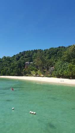 Manukan Island, Malasia: Beach and Hillside Villas