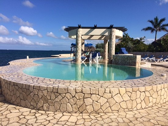 Saltwater pool picture of the spa retreat boutique hotel - Hotels with saltwater swimming pools ...