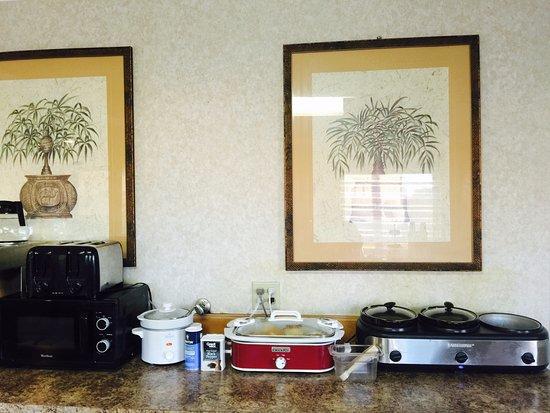 Blytheville, AR: Free Full Hot Breakfast