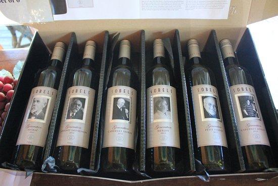 โพโคลบิน, ออสเตรเลีย: A set of 6 of red wine