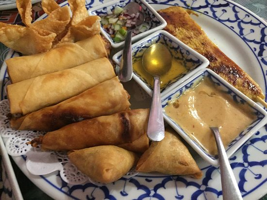 Plainville, MA: Dahra Thai Restaurant