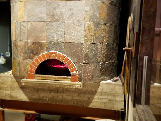 Salina, KS: Pizza oven