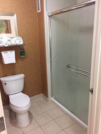 เมดฟอร์ด, ออริกอน: Shower