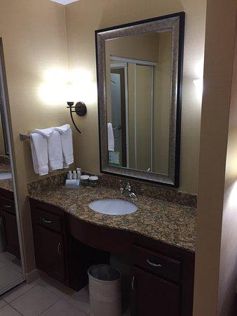 เมดฟอร์ด, ออริกอน: Sink w/ Mirror