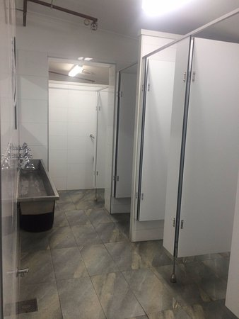 Collingwood, Australia: New bathrooms throughout hostel