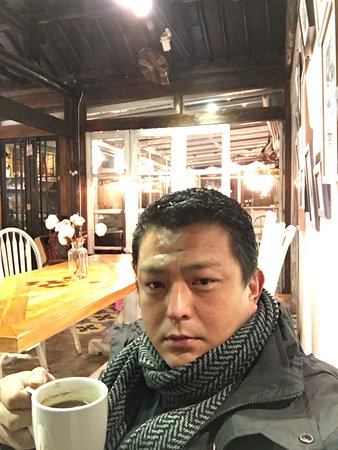 Tongxiang, Cina: 小喝咖啡,静静地享受夜景。