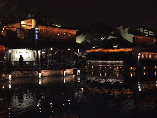 Tongxiang, Cina: 西栅-诗一样的景色,完美的夜景