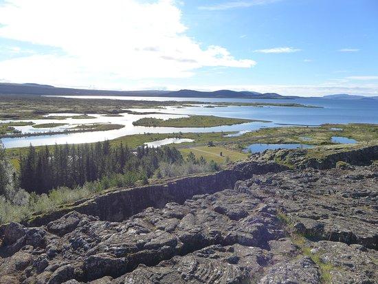 Mosfellsbaer, Islandia: Thingvellir - tectonic plate rift in Iceland