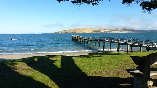 Omapere, Nueva Zelanda: Looking across Hokianga Harbour
