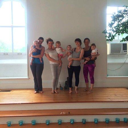 Cold Spring, Estado de Nueva York: Moms & their babies