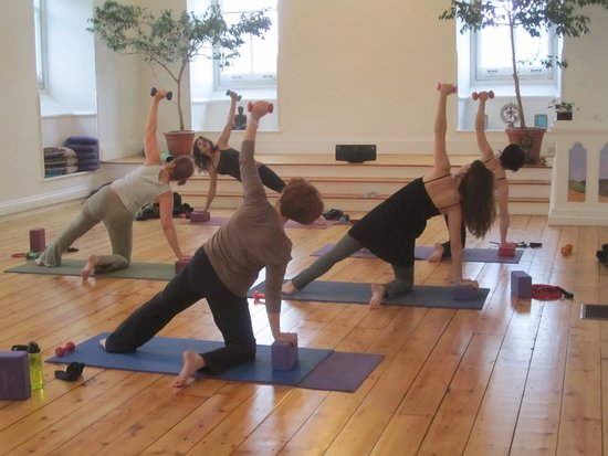 Cold Spring, Nowy Jork: Yoga class with weights