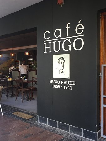 Worcester, South Africa: I went to Cafe HUGO for breakfast. Tried the omlette and flat white as per recommendation; both